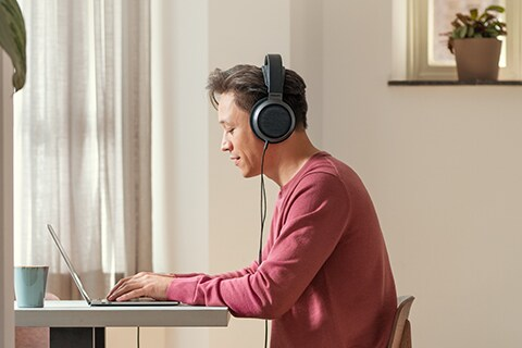 Philips Fidelio X3 headphones