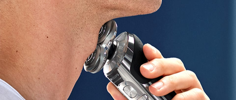 Shaving neck with Philips S9000 Prestige electric shaver