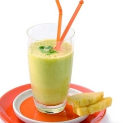 Pineapple and coriander juice with fresh ginger | Philips Chef Recipes