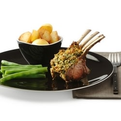 Rack of lamb with a pine nut and herb crust | Philips Chef Recipes