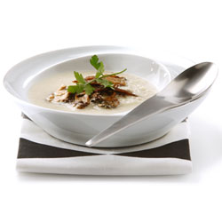 Almond soup with cèpe mushrooms | Philips Chef Recipes