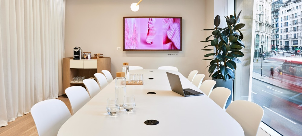 benefits of digital signage in corporate communications