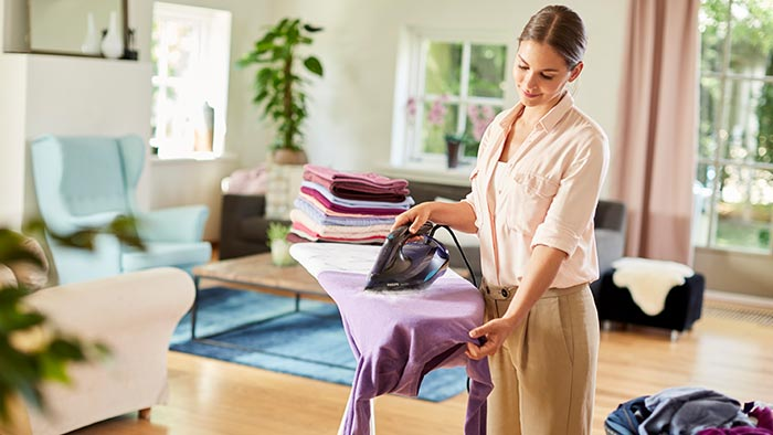 How to use clothes steamers and steam irons