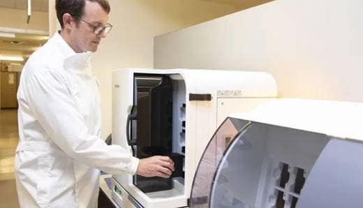 Download image (.jpg) Kieron White, Biomedical Scientist at at Oxford University Hospital using the Philips IntelliSite Pathology Solution